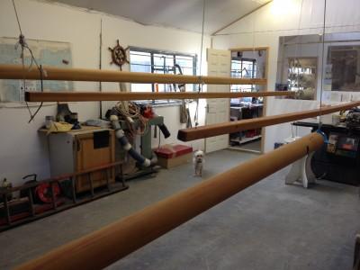 Mast Varnishing